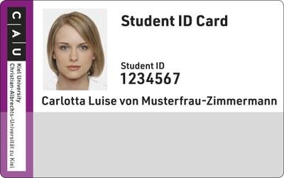 Unvalidierte CAU Card. Der untere Streifen auf der Vorderseite der Karte hat noch keinen Stempel erhalten, der die CAU Card zur Nutzung als Semesterticket qualigiziert.